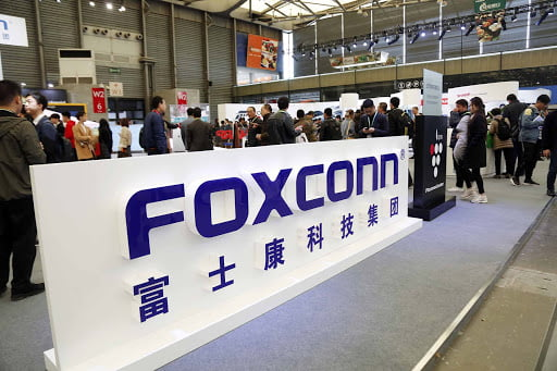 Coronavirus Forces iPhone Manufacturer Foxconn To Pause iPhone Production